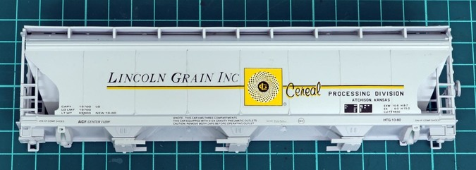 ACF CF-6450 Lincoln Grain covered hopper with Microscale decals